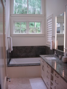 Alt text: 111 Aguire Drive master bathroom