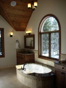 Alt text: 206 russell master bathroom